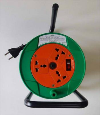 Ổ cắm kéo dài quay tay LIOA QN20-3-10A , 20m